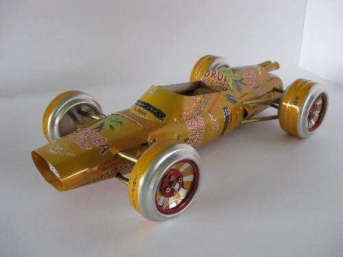 Coruba Climax auto wykonane z puszek po piwie