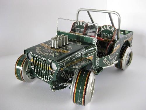 Jeep - model wykonany z puszek po piwie