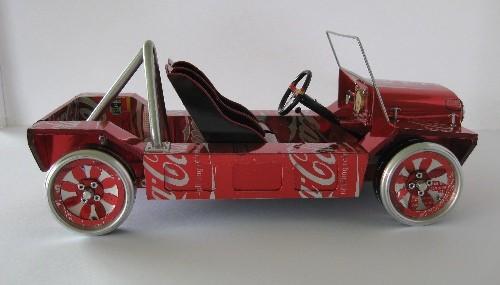 Moke - model wykonany z puszek po cocacoli
