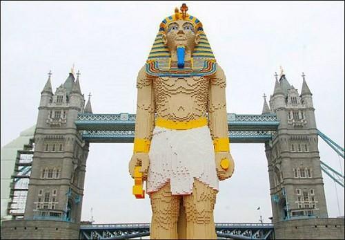 Statua Faraon z LEGO
