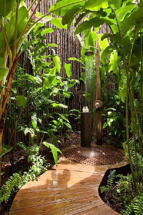 Wymarzony dom - prysznic w ogrodzie