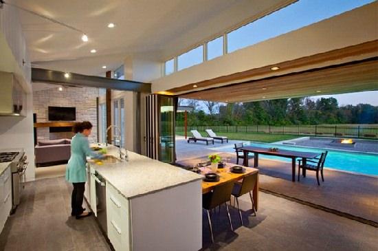 Kuchnia połączona z basenem