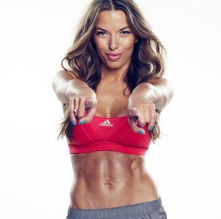 zdjecie kobiety fitness Ewa Chodakowska