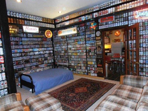 Hotel udekorowany puszkami po piwie