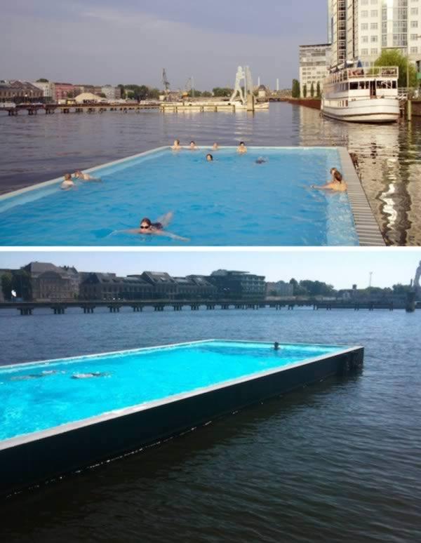 Pływający basen