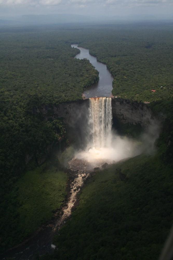 widok wodospadu