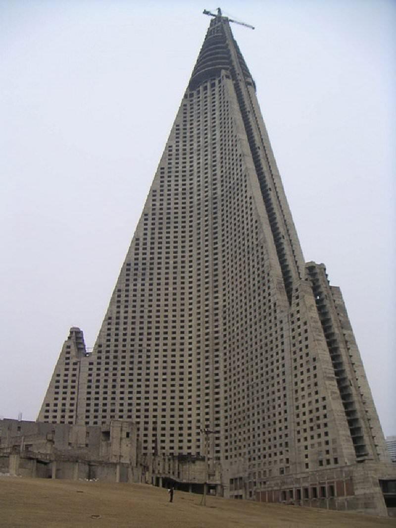 Ryu-Gyong opuszczony hotel