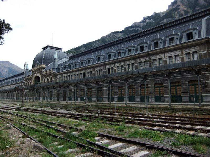 Opuszczony dworzec Hiszpania