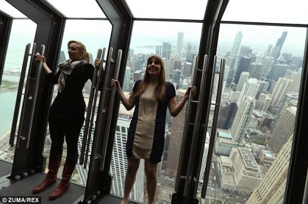 Niesamowity punkt widokowy w Chicago z wieżowca John Hancock Tower