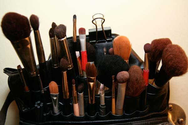 ile czasu przeznaczamy na robienie make-upu