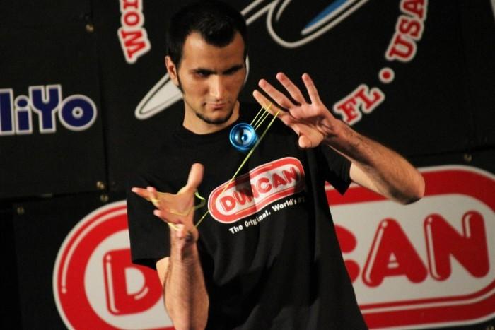 Janosz Karancz mistrz yo-yo