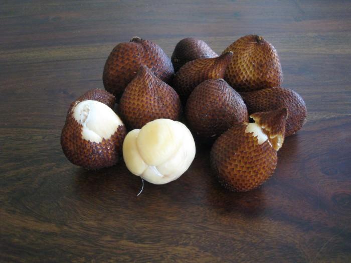 Dziwne owoce - salak
