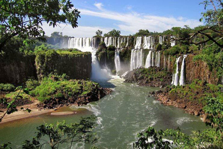 10 niesamowitych wodospadów