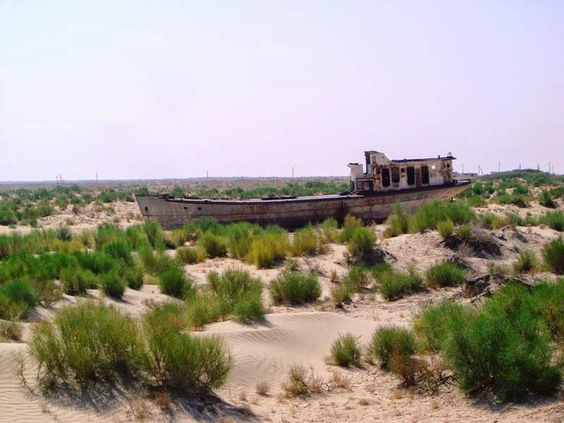 Cmentarzysko dla statków na Jeziorze Aralskim