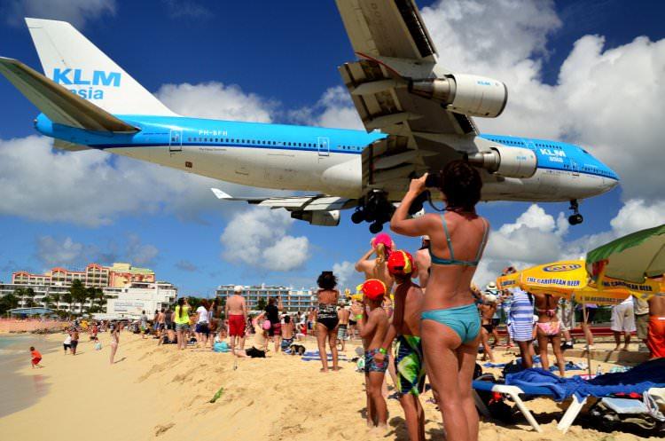 Plaża Maho Beach na wyspie Siny Maarten