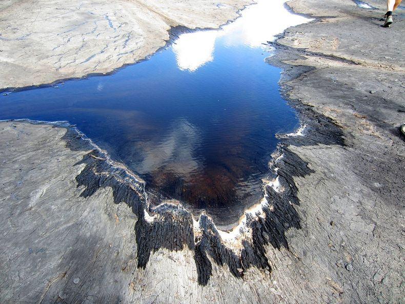 jezioro asfaltowe