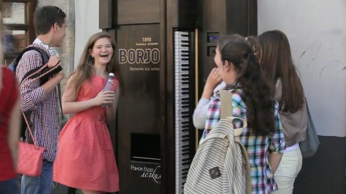 automat-do-napojow-pianino