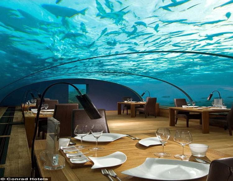 Podwodna restauracja Ithaa na Malediwach
