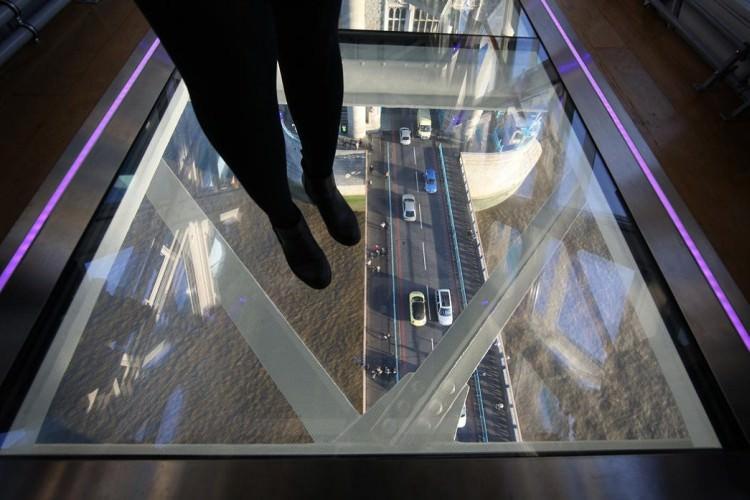 szklana-podloga-tower-bridge-4