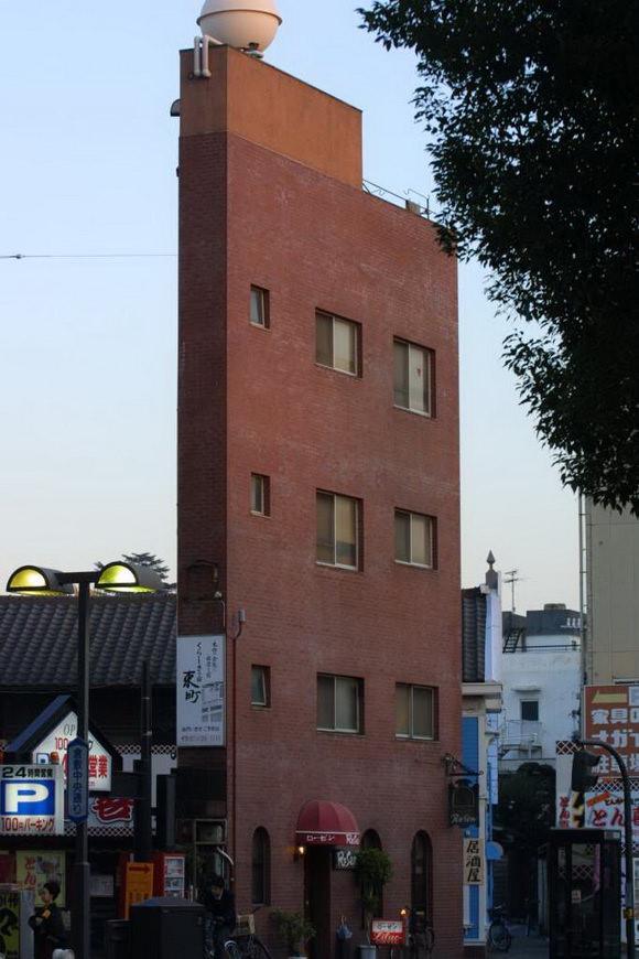 najwezsze-budynki-swiata-10