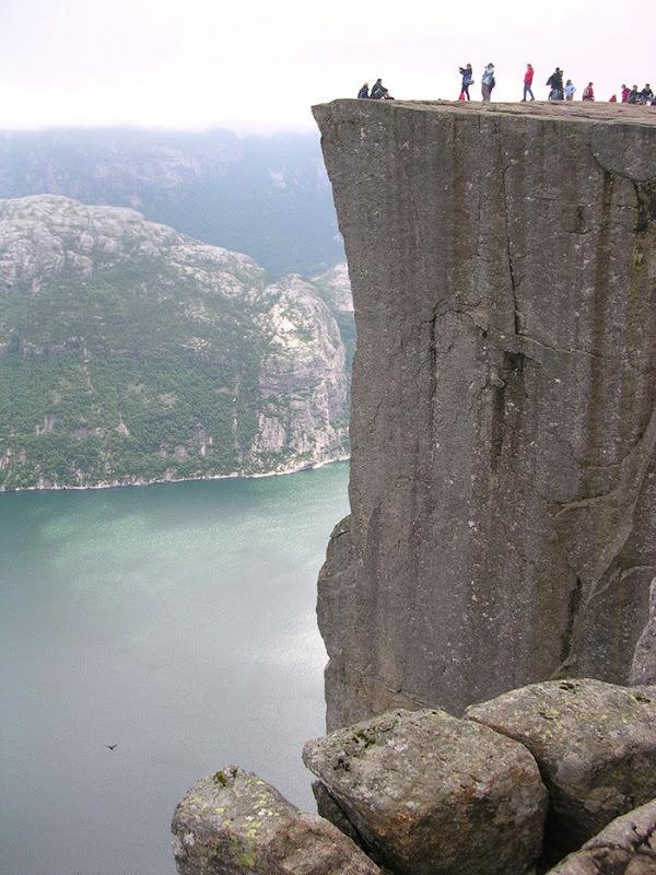 skalne-atrakcje-norwegia-preikestolen