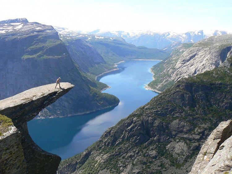 skalne-atrakcje-norwegia-trolltunga-3