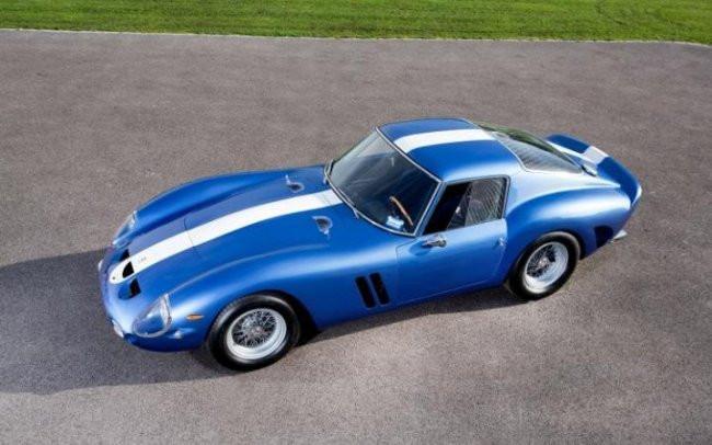 Ferrari 250 GT niebieski
