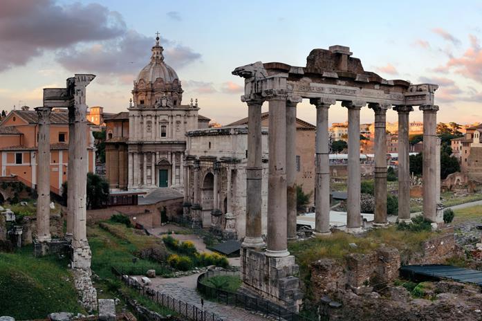 Rzym. Wschód Słońca