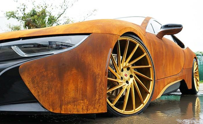 Rdzawe BMW i8