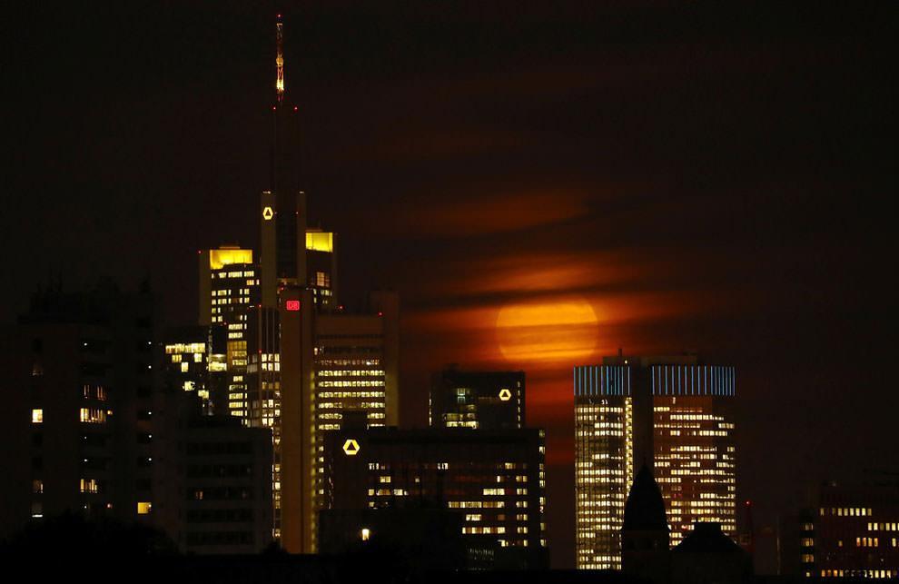 Frankfurt - superksiężyc
