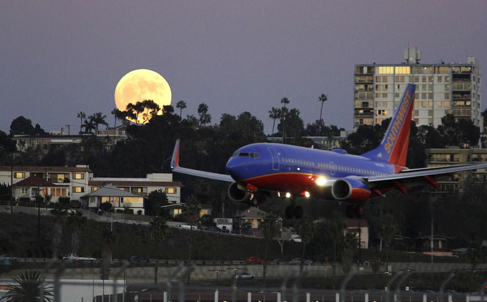 Superksiężyc nad San Diego