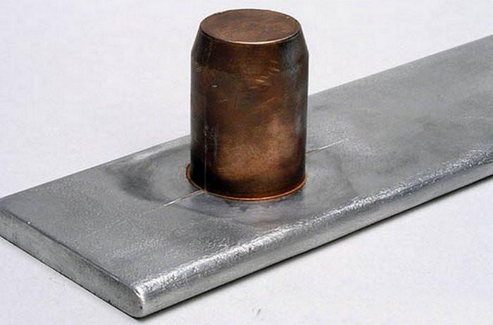 Łączenie metali w kosmosie