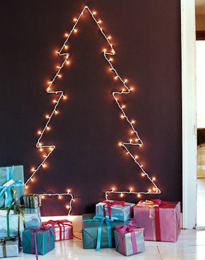 alternatywa dla tradycyjnej choinki - choinka na ścianę ze światełek