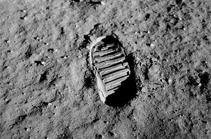 Odcisk stopy na Księżycu