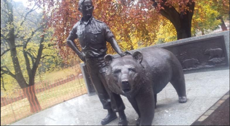 Pomnik niedźwiedźa Wojtka w Edynburgu