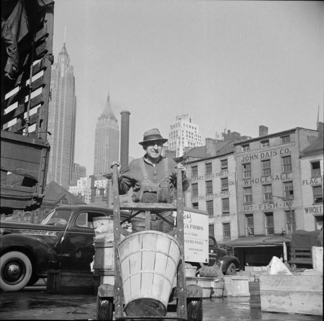 Pracownik sklepu rybnego, Nowy Jork East Side, maj-czerwiec 1943 roku