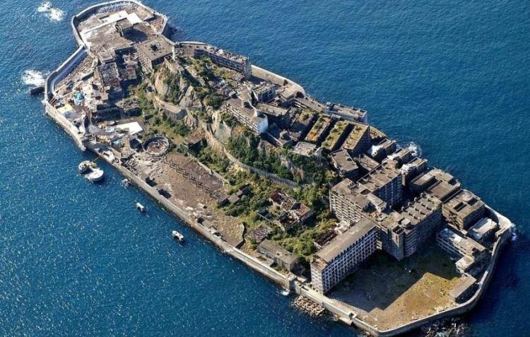 Hashima - wyspa duchów