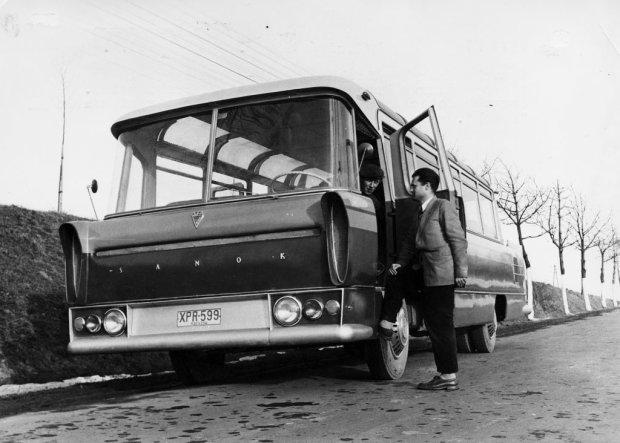 Autobus SFW-1
