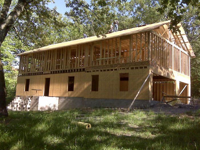 Cara Brookins - dom zbudowany na postawie poradników na youtube