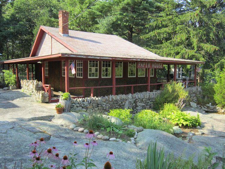 Paper House - dom zbudowany z gazet