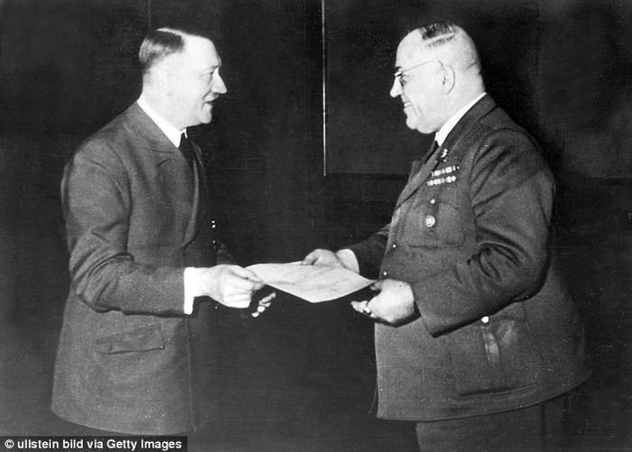 Adolf Hitler i Theodor Morell