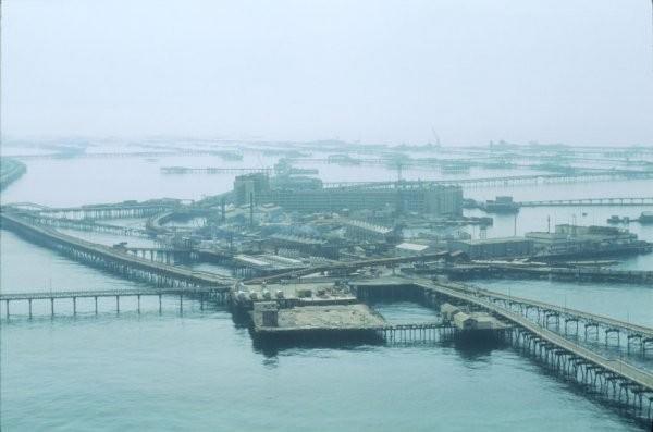 Neft Daşlari miasto platform ropy