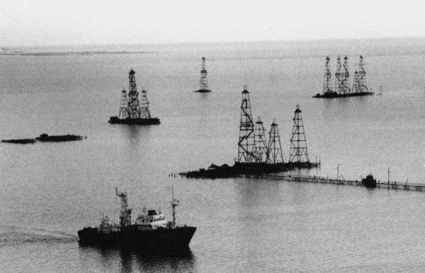 Neft Daşlari miasto wydobycia ropy