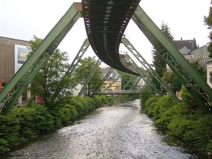 Wuppertaler-Schwebebahn2