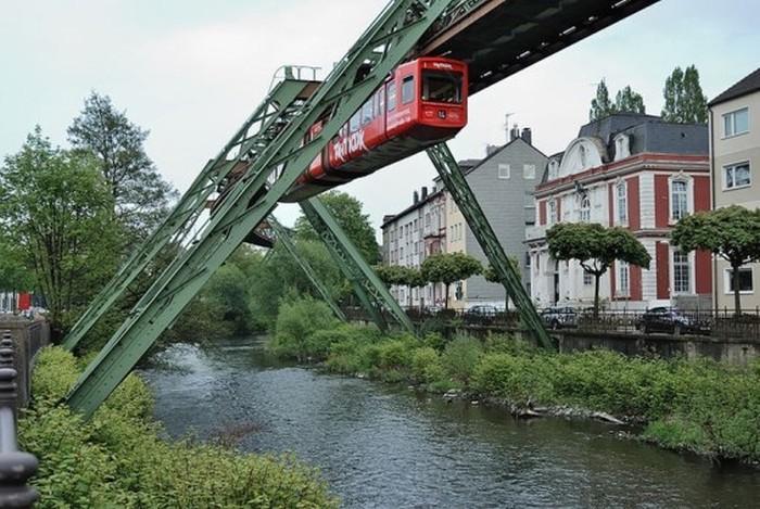 Wuppertaler-Schwebebahn3