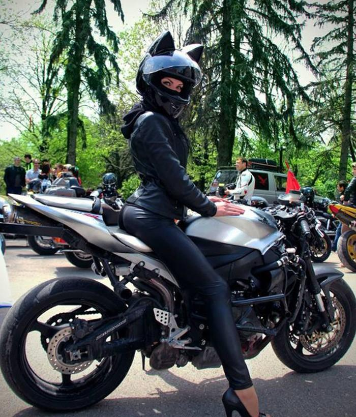cat-ear-helmets-motorcycle-neko-nitrinos-motostudio-2