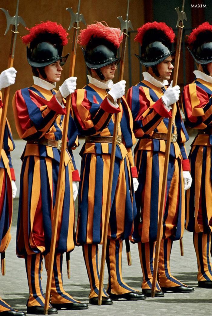 gwardia Szwajcarska mundury