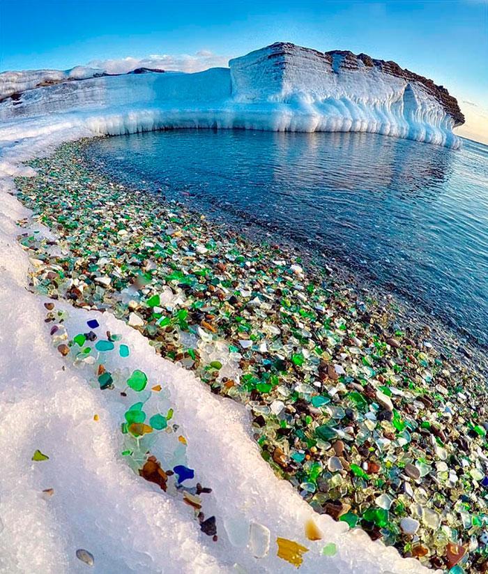 vodka-beach-bottle-pebbles-glass-ussuri-bay-russia-2