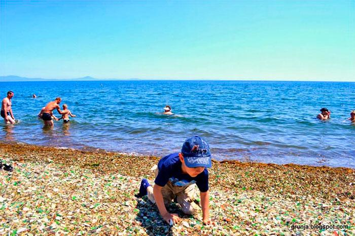 vodka-beach-bottle-pebbles-glass-ussuri-bay-russia-6