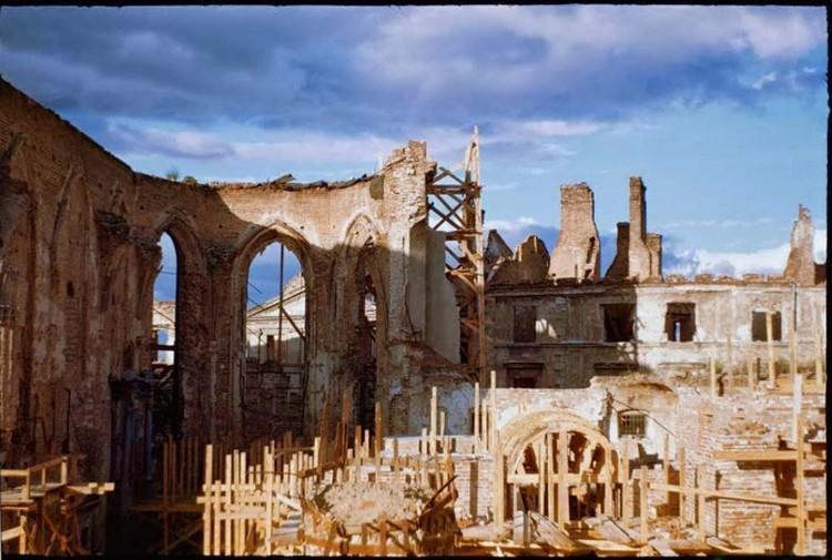 Gruzy Warszawy po wojnie - zdjęcia